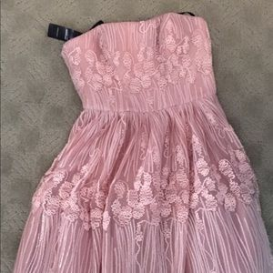 BRAND NEW/ with tags, Pale pink BEBE dress.  Sz.00